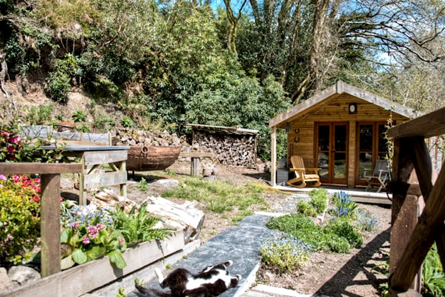 Cabins (St. Blazey, England, United Kingdom)