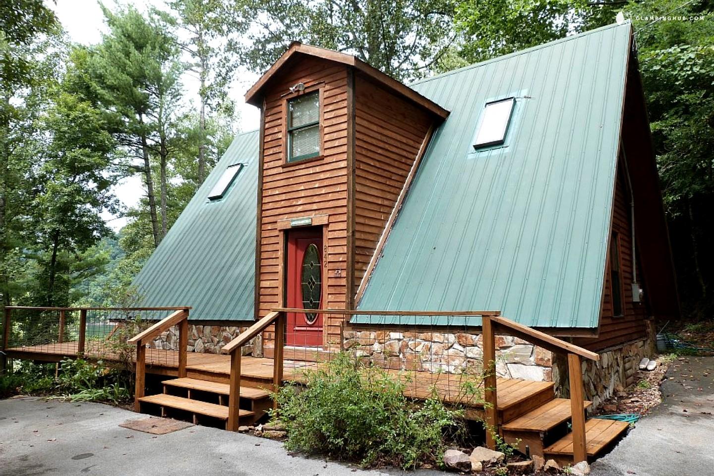 Cabin rental on watauga lake tennessee for Secluded cabin rentals on lake tennessee