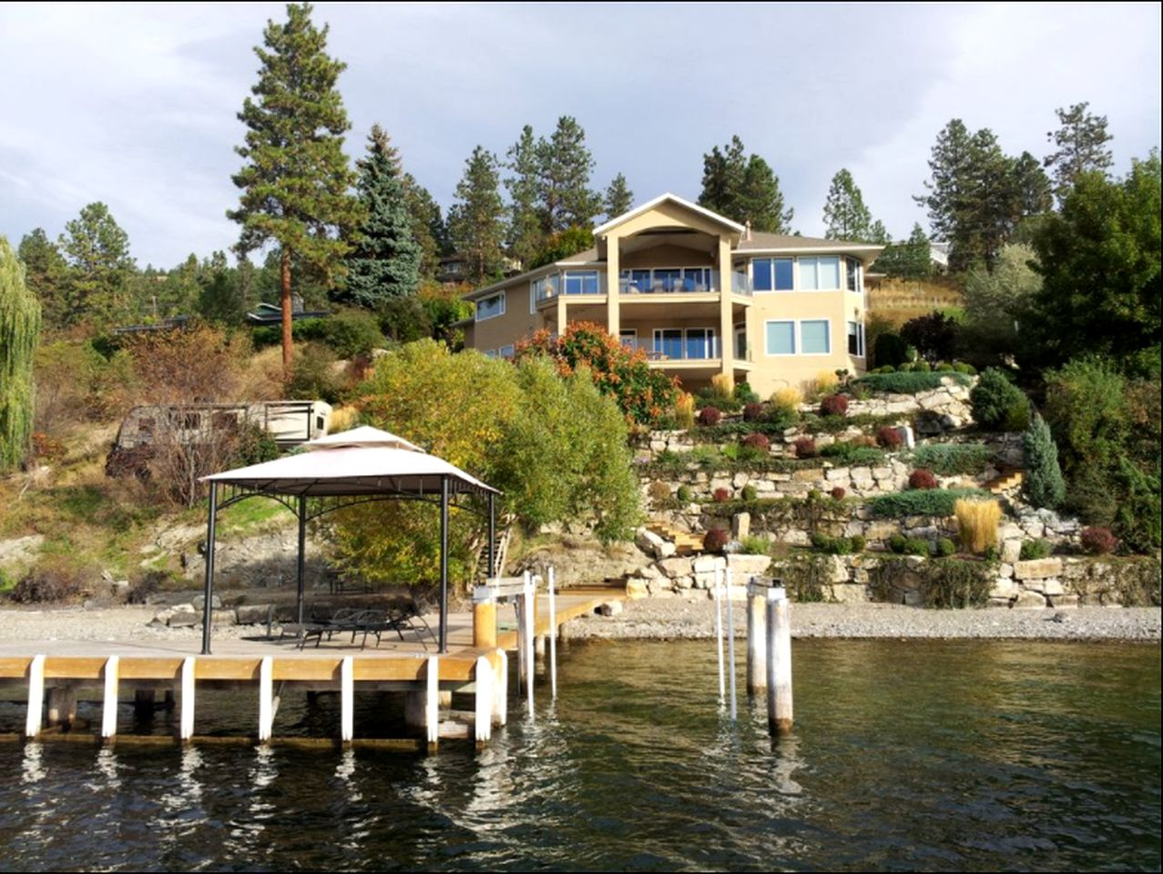 Nature Lodges (Kelowna, British Columbia, Canada)