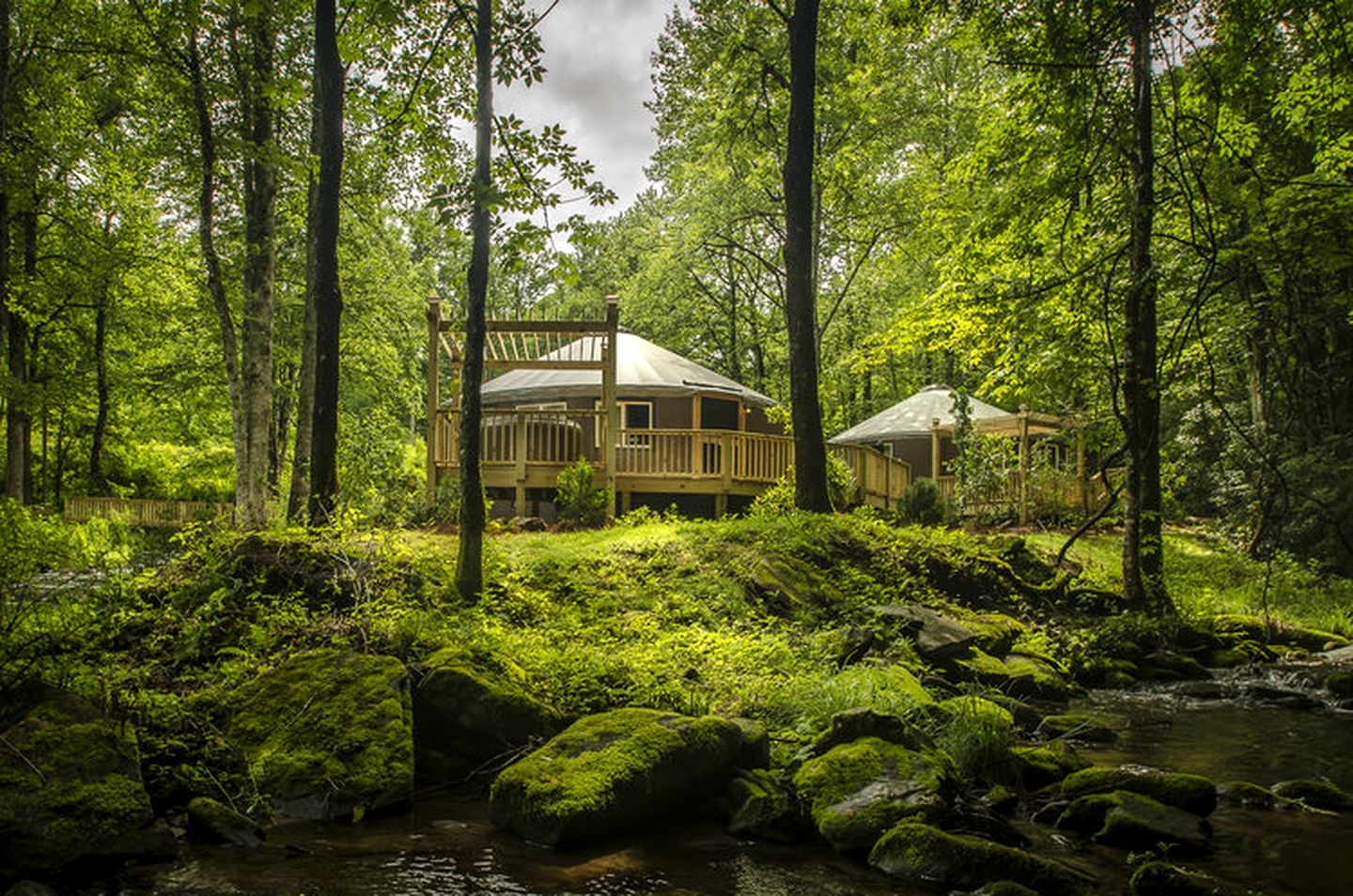 Yurts (Topton, North Carolina, United States)