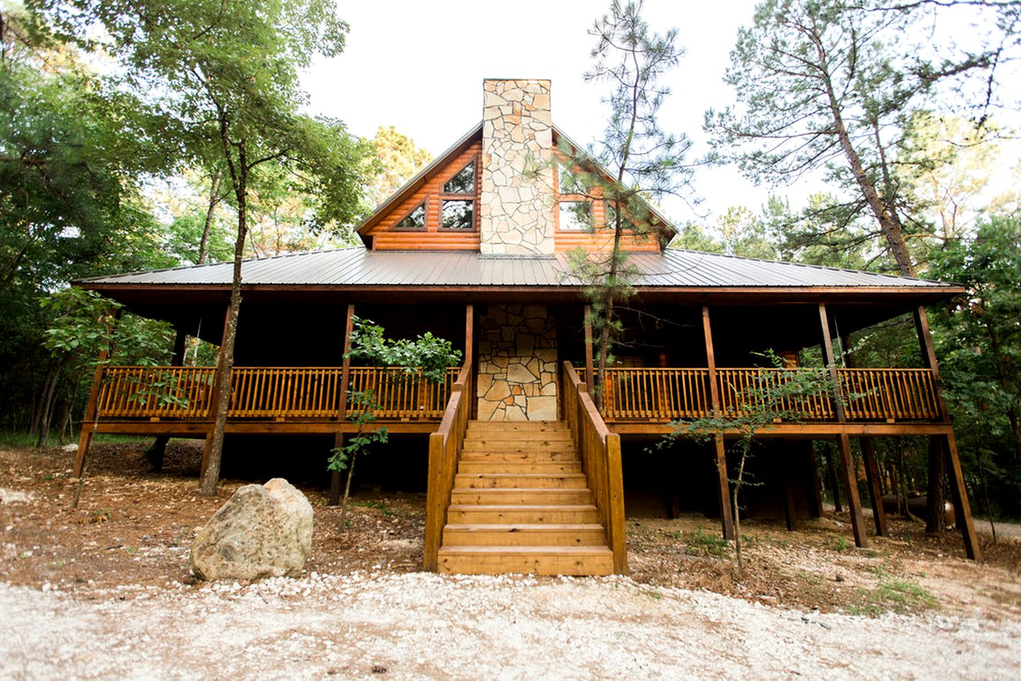 Cabins (Broken Bow, Oklahoma, United States)