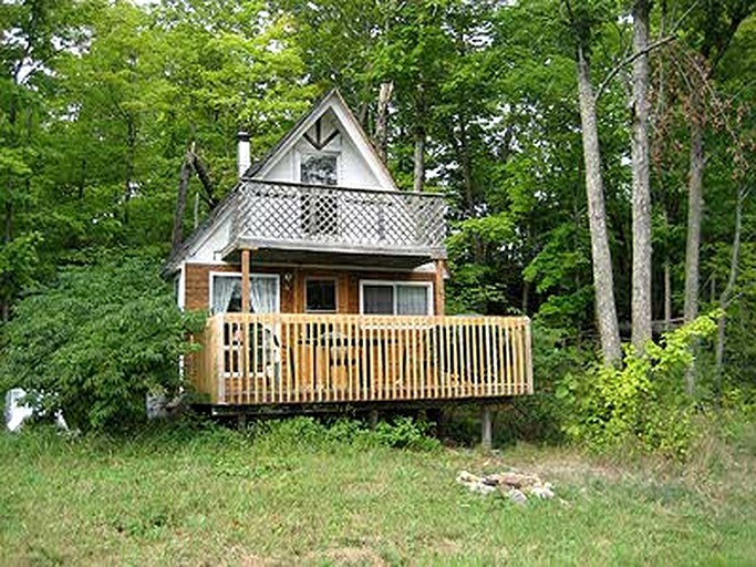 Astounding Two Story Cottage Rental On Lang Lake Near Espanola Ontario Download Free Architecture Designs Embacsunscenecom
