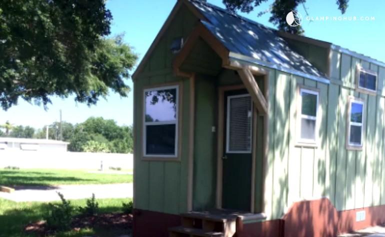 tiny house rental near tampa. Black Bedroom Furniture Sets. Home Design Ideas