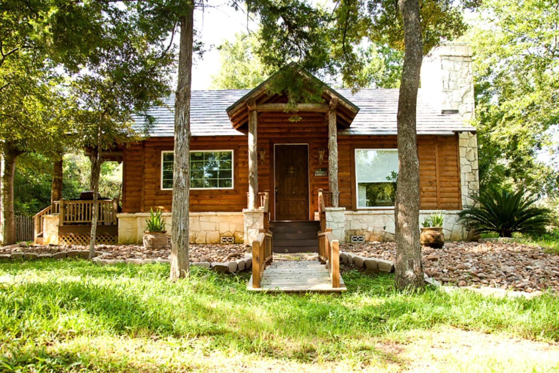 Cottage Rental Near College Station Texas