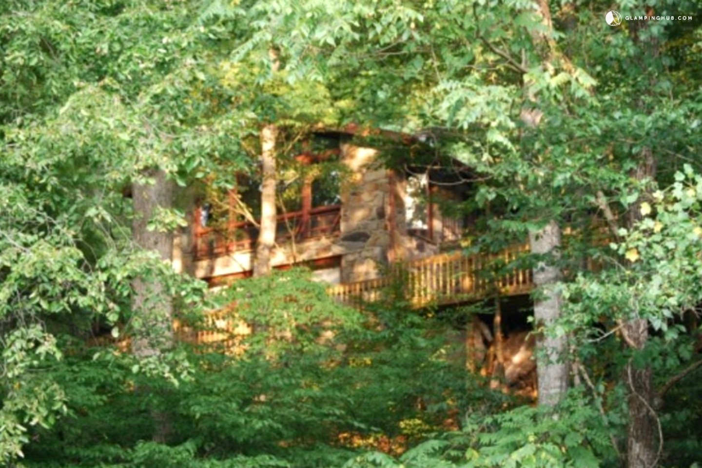 Eco friendly cabin rental in the smoky mountains north for Cabin in north carolina mountains