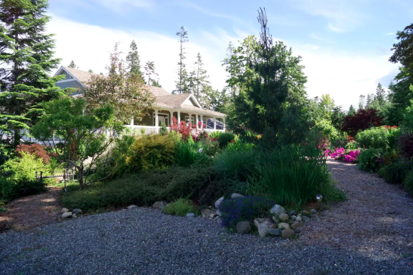 Nature Lodges (Royston, British Columbia, Canada)