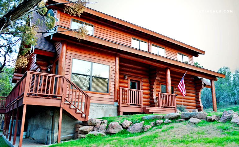 Log cabin rental in texas hill country for Texas hill country cabin rentals