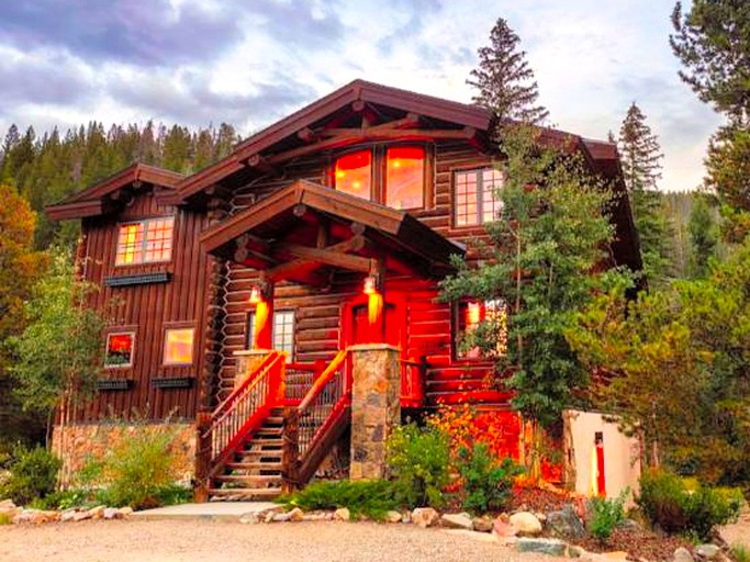 Super Log Cabin Rental With Luxury Eight Person Hot Tub For A Group Getaway Near Denver Colorado Download Free Architecture Designs Jebrpmadebymaigaardcom