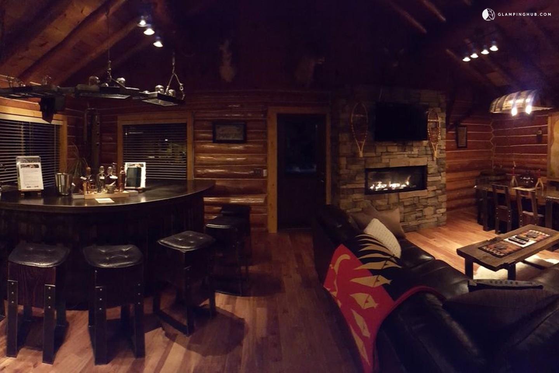 Log Cabin Rental For Groups Near Munising Michigan