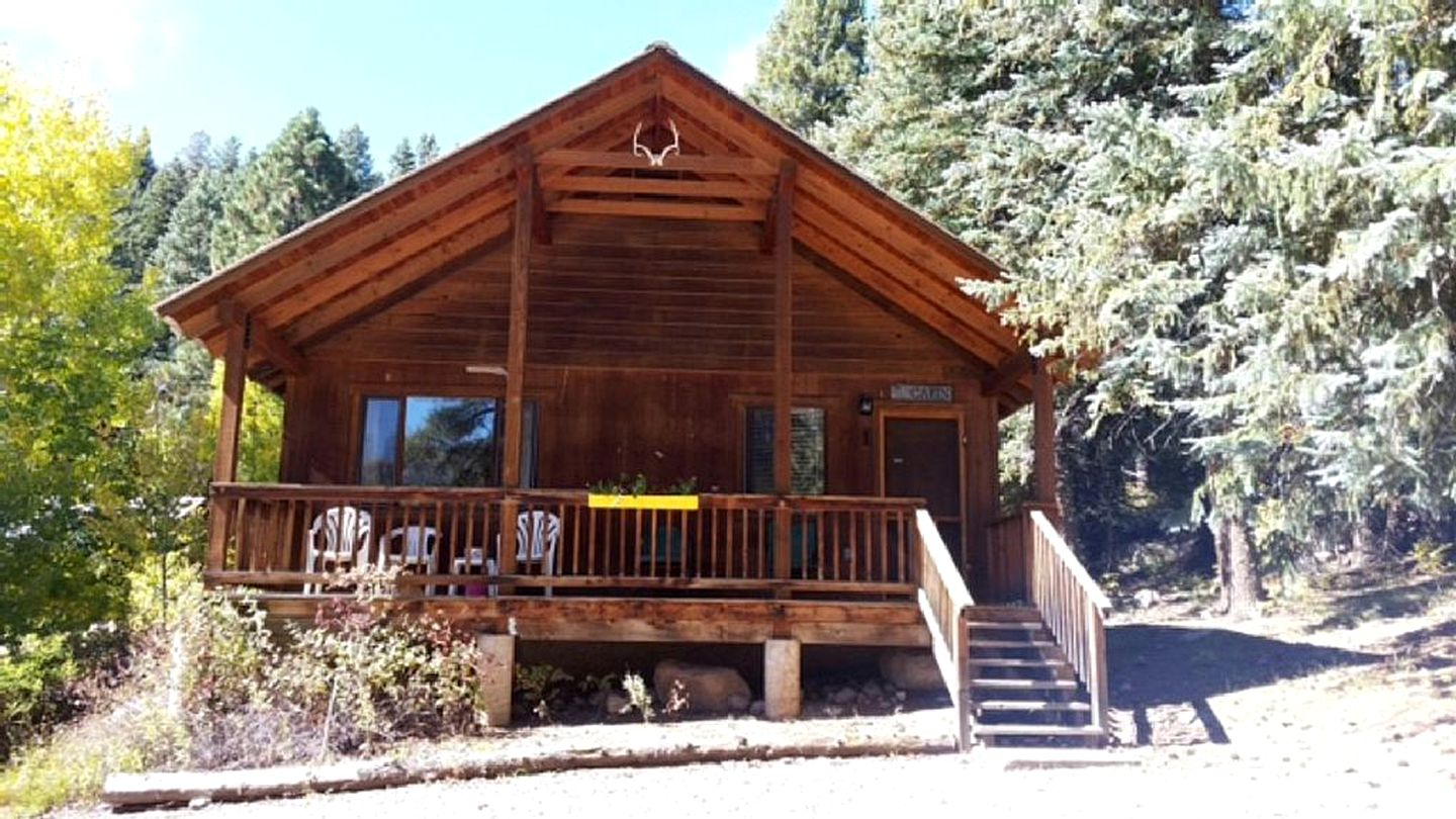 The accommodation for Colorado getaways in cabins. Vallecito Lake, Colorado is just on the doorstep!