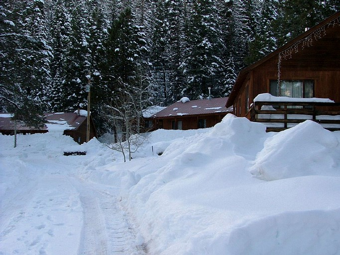 Cabin Rental For Ten Guests With A Private Deck Near Durango Colorado