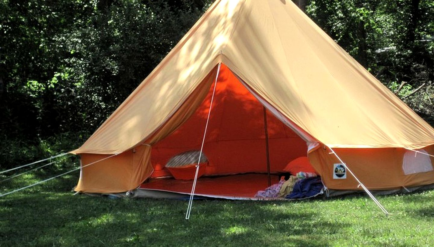 Bell Tents (Great Cacapon, West Virginia, United States)