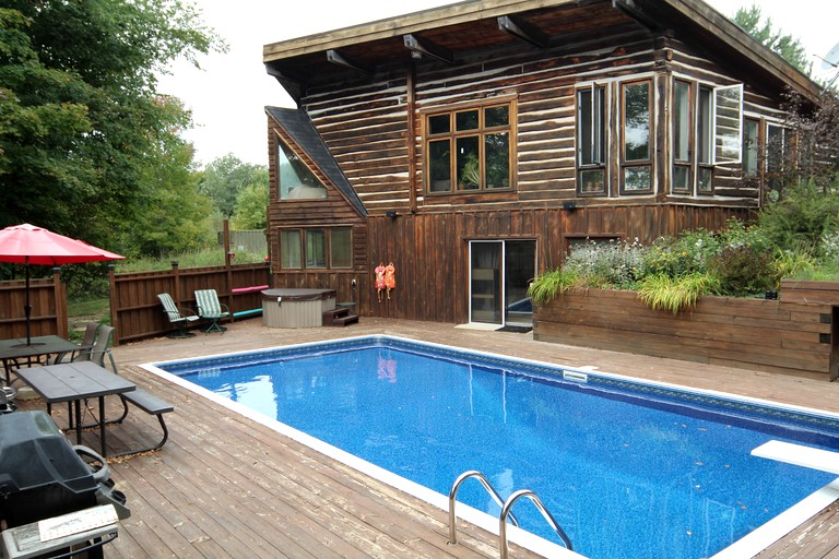 Admirable Lovely Cabin Rental With Outdoor Pool And Hot Tub Near Markdale Ontario Best Image Libraries Barepthycampuscom