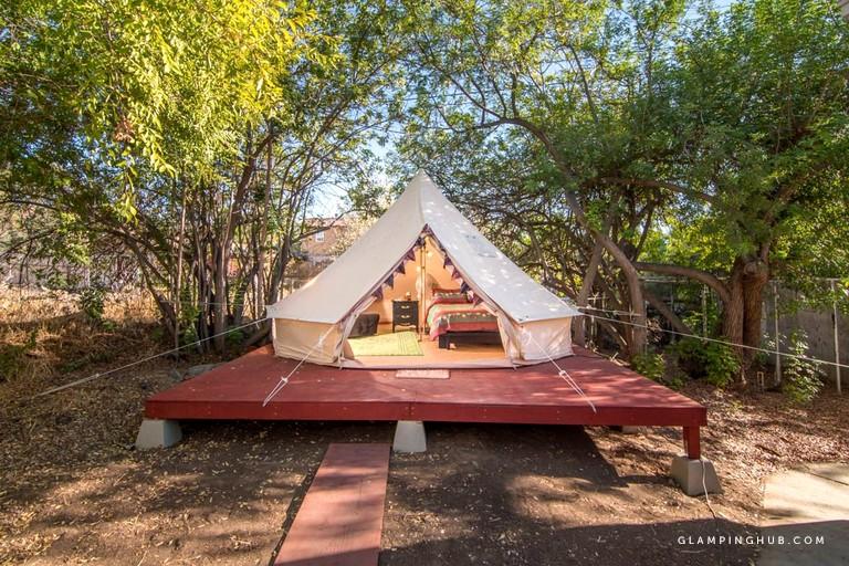 Glamping In California >> Glamping Tent Near Lakeside In California