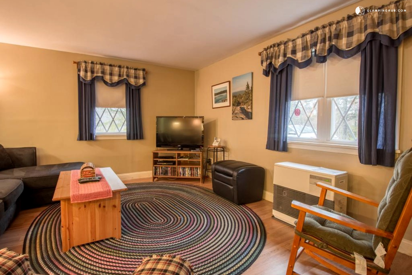 Cabin rental seal cove maine for Cozy cabins rentals