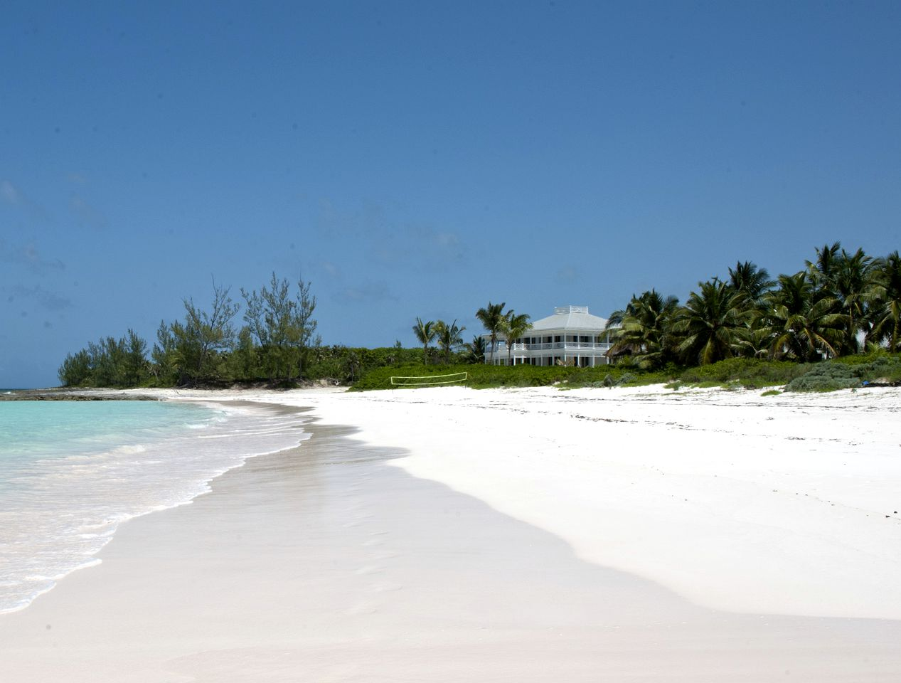 Beach Houses (Governor's Harbour, North Eleuthera, Bahamas)
