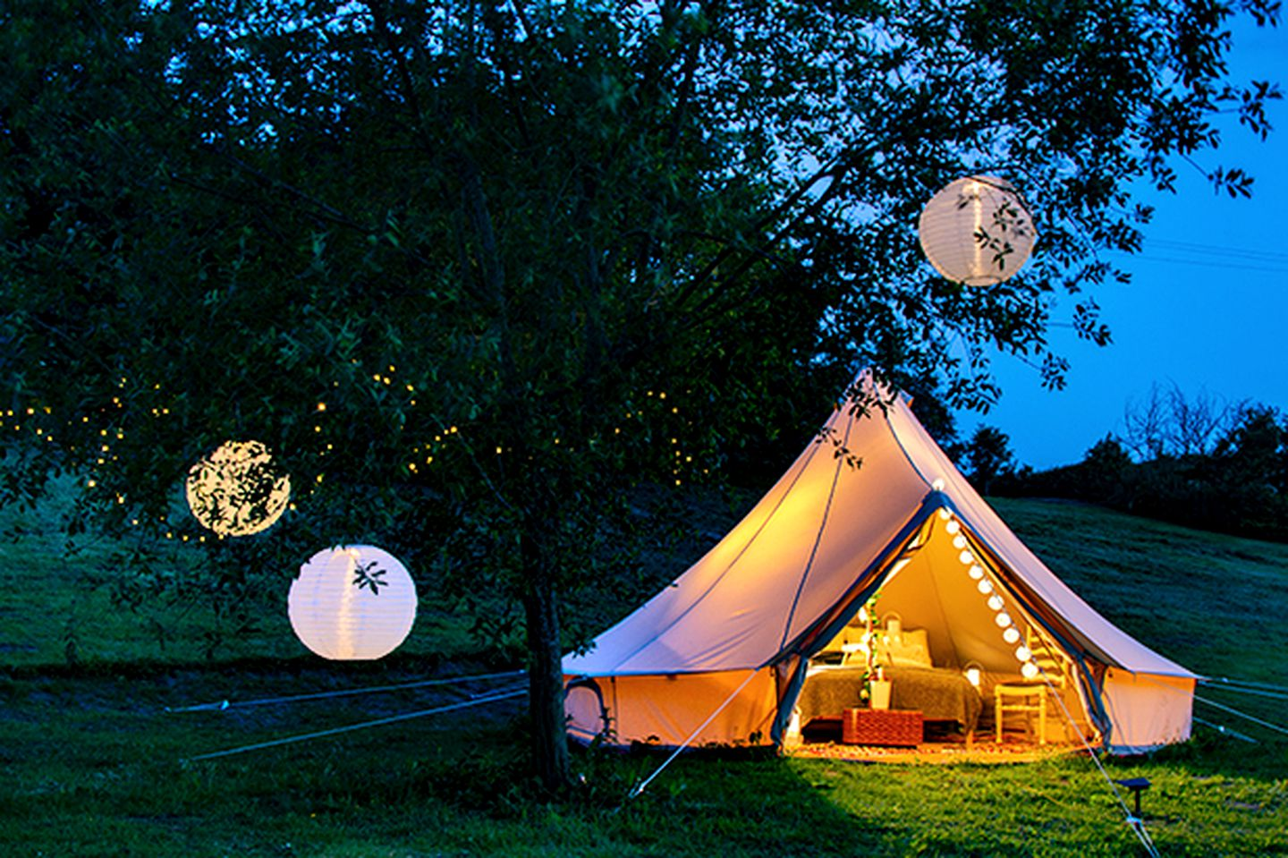 Bell Tents (Mouldsworth, England, United Kingdom)