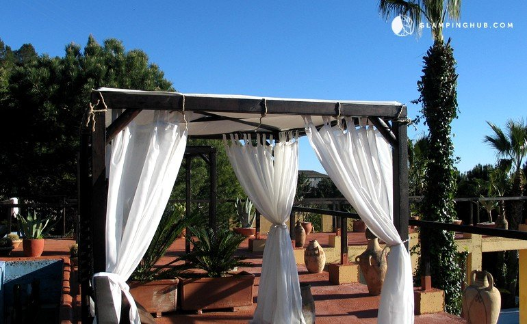 Caba as rurales cerca de la playa en casares glamping m laga - Cabanas cerca de madrid ...