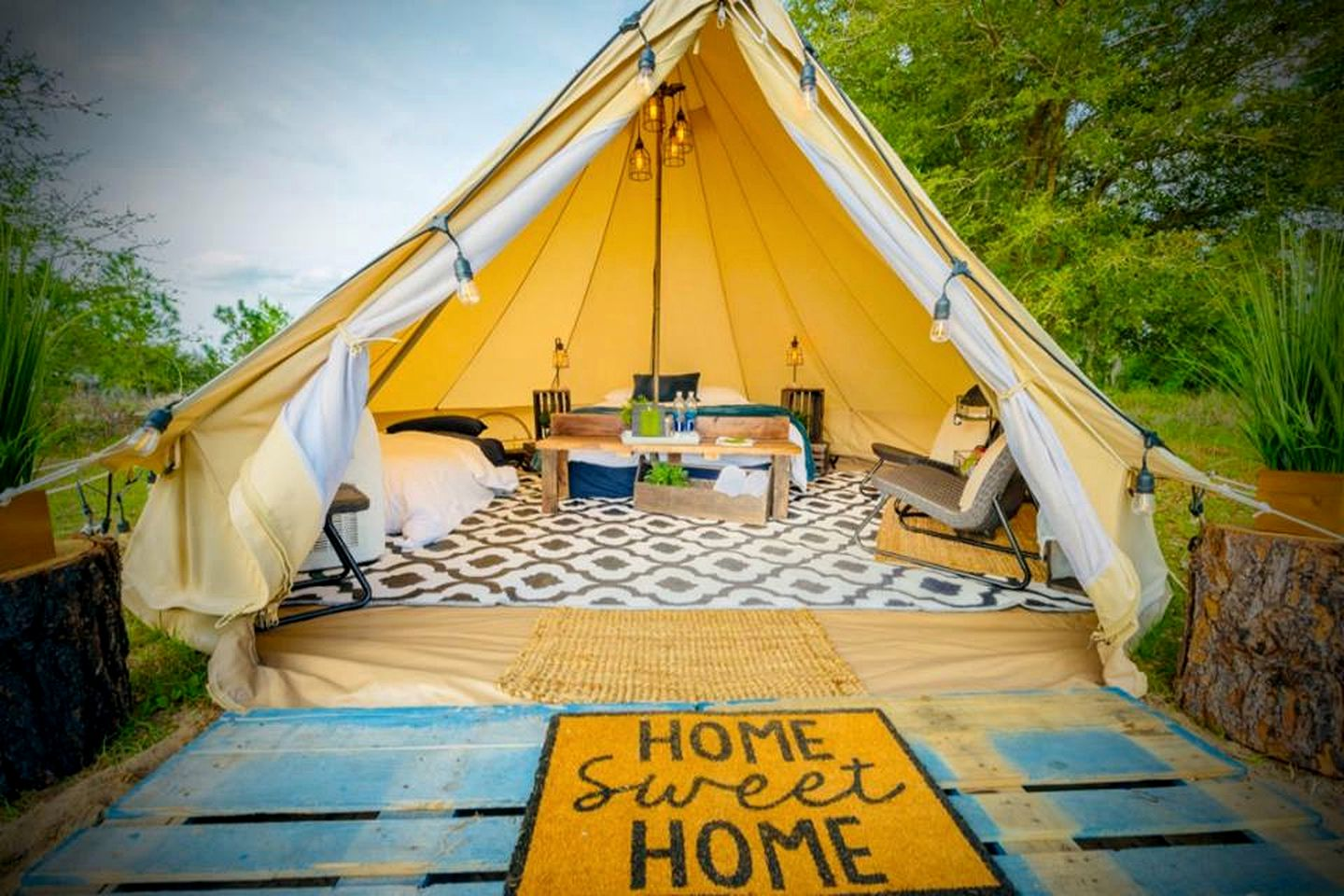 Glamping in Florida: Clermont bell tent rental