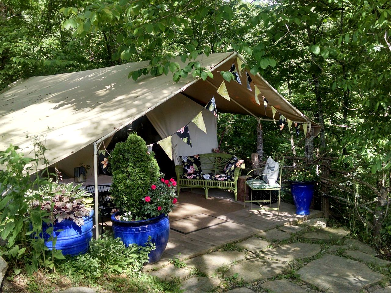 Asheville tent rental in the mountains (North Carolina, United States)