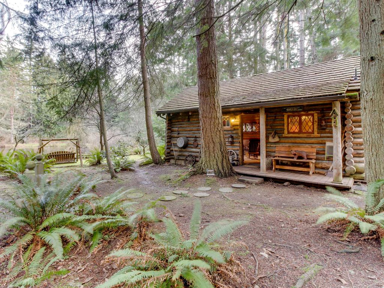 Cabins (Greenbank, Washington, United States)