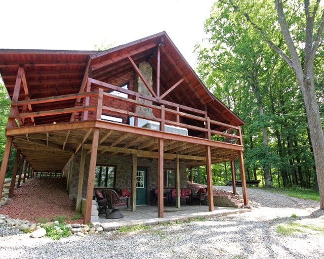 Luxury Lodge for Big Groups in Hocking Hills, Ohio