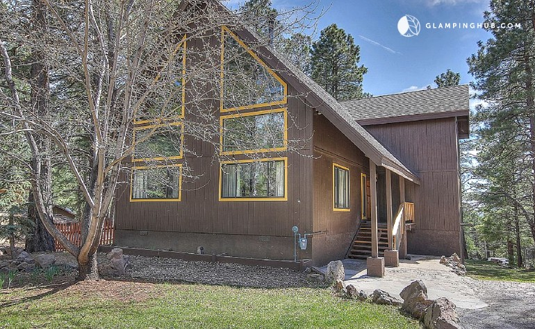 Cabin with hot tub in flagstaff arizona for Az cabin rentals with hot tub