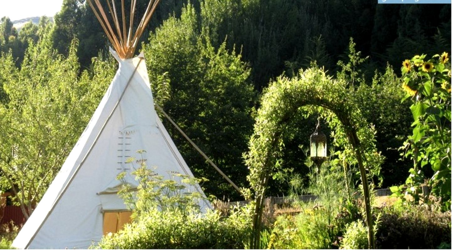 Tipis (Okuti Valley, South Island, New Zealand)