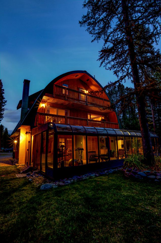 Nature Lodges (Glacier National Park, Montana, United States)