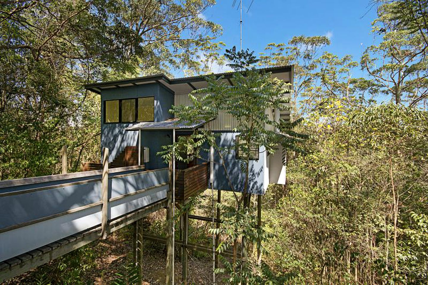 Tree Houses (Sunshine Coast, Queensland, Australia)