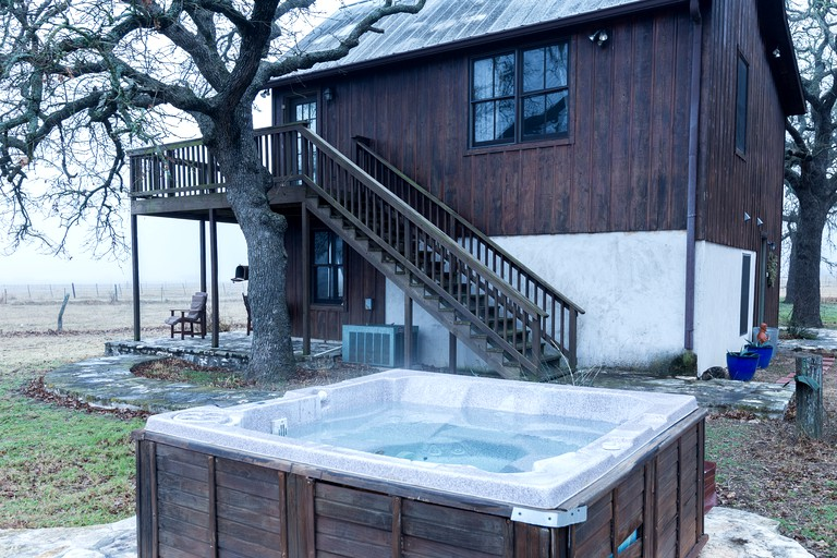 Pet Friendly Cabin Rental With Hot Tub Near Fredericksburg