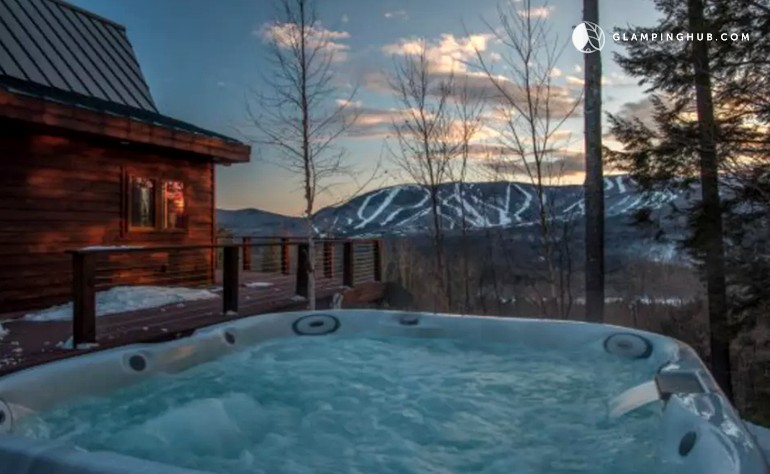 Cabin With Hot Tub Near White Mountain National Forest