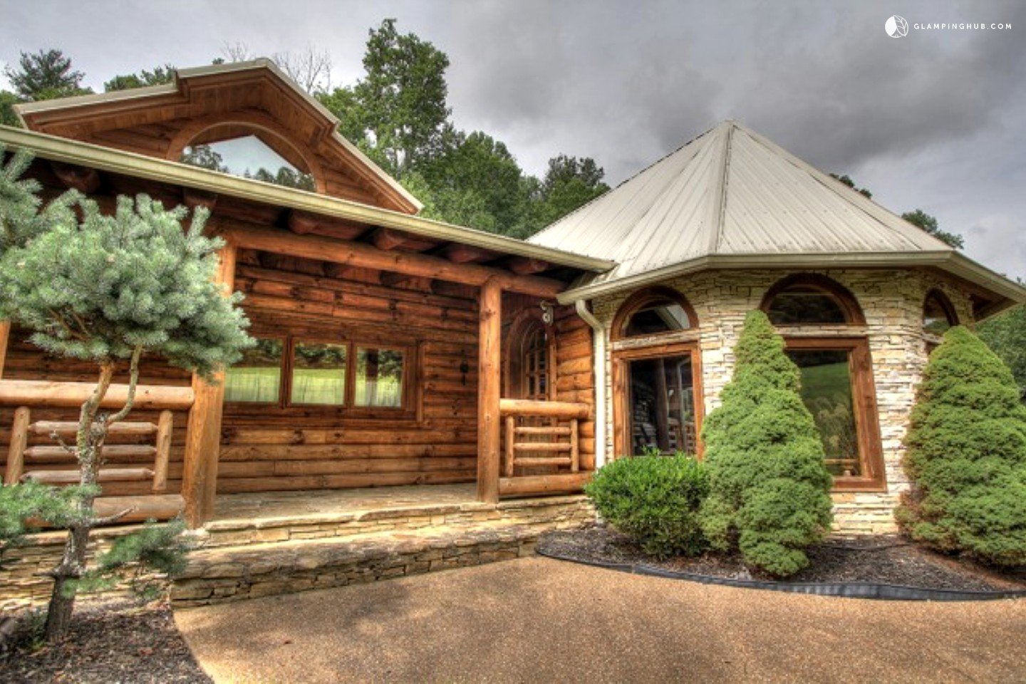 Luxury cabin rental near the great smoky mountains for Cabin rentals near smoky mountains