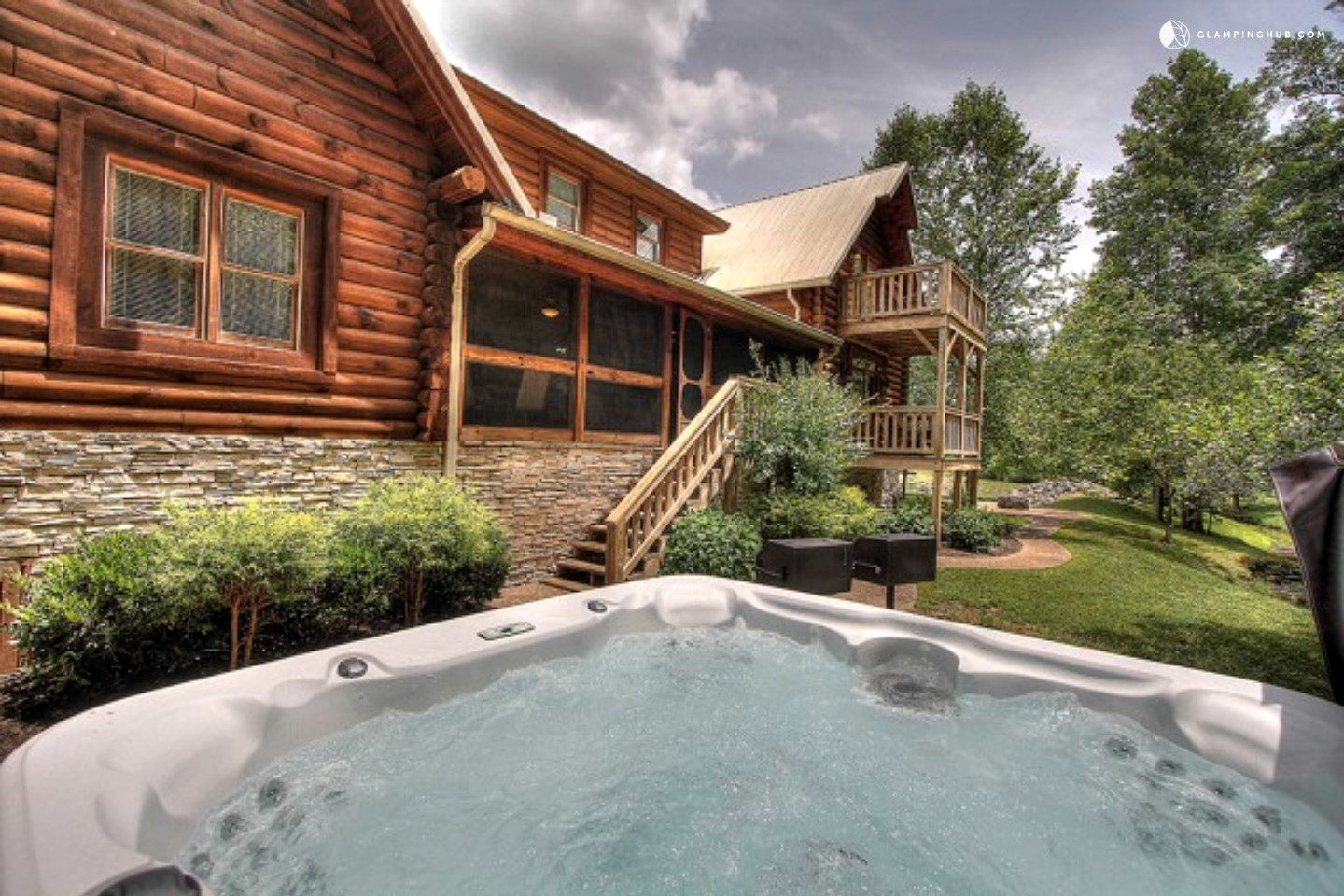 Luxury cabin rental near the great smoky mountains for Smoky mountain ridge cabins