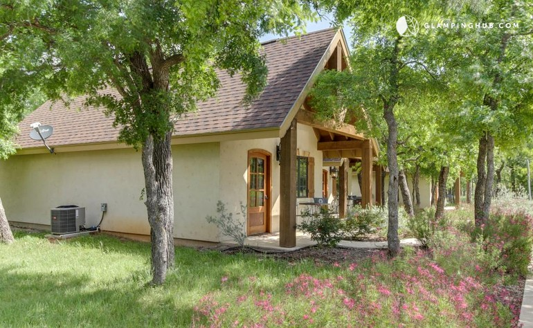 Cottage stay on winery near fredericksburg texas for Texas cottage