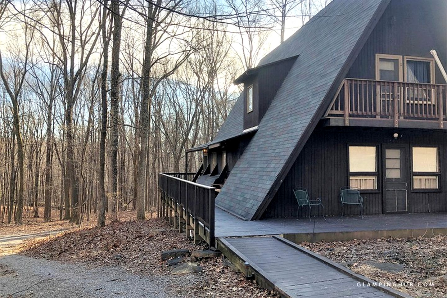 Luxury cabin rental: Berkeley Springs, WV