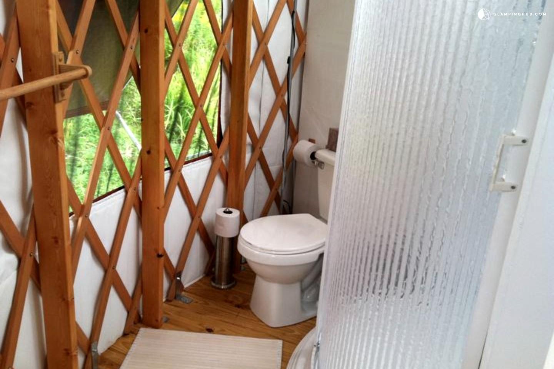 Modern Countryside Yurt In Waterville Upstate New York