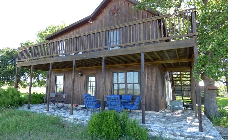 Cabin rental near fredericksburg texas for Cabin rentals fredericksburg tx