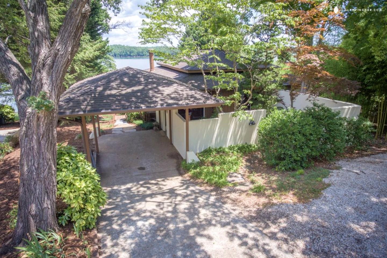 Lakeside Cabin On Lake James North Carolina