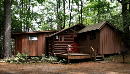 Log Cabins with Fireplaces in Upstate New York | Glamping Hub