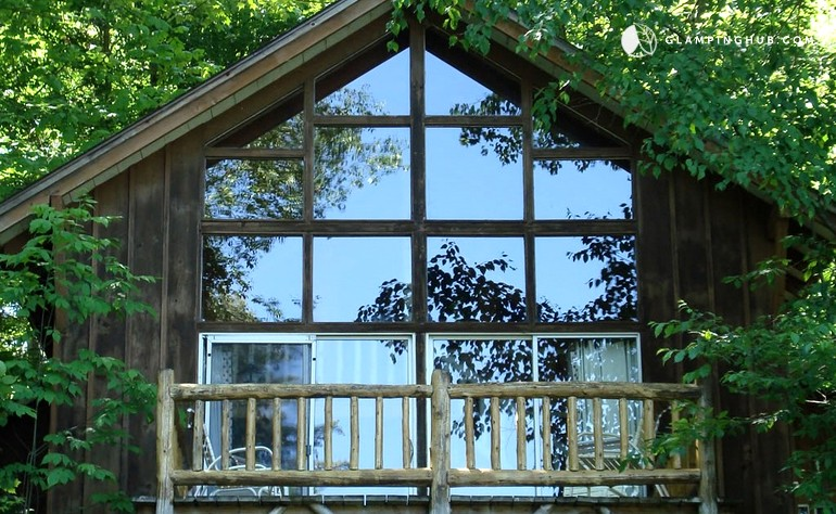 Chalet rental saratoga springs for Camps and cottages