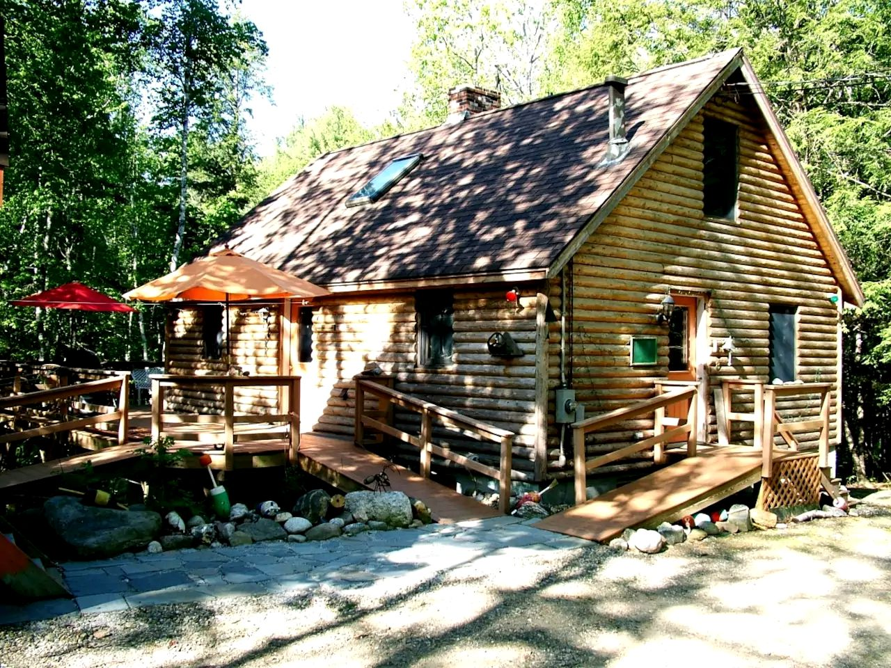 Log Cabins (Boothbay, Maine, United States)