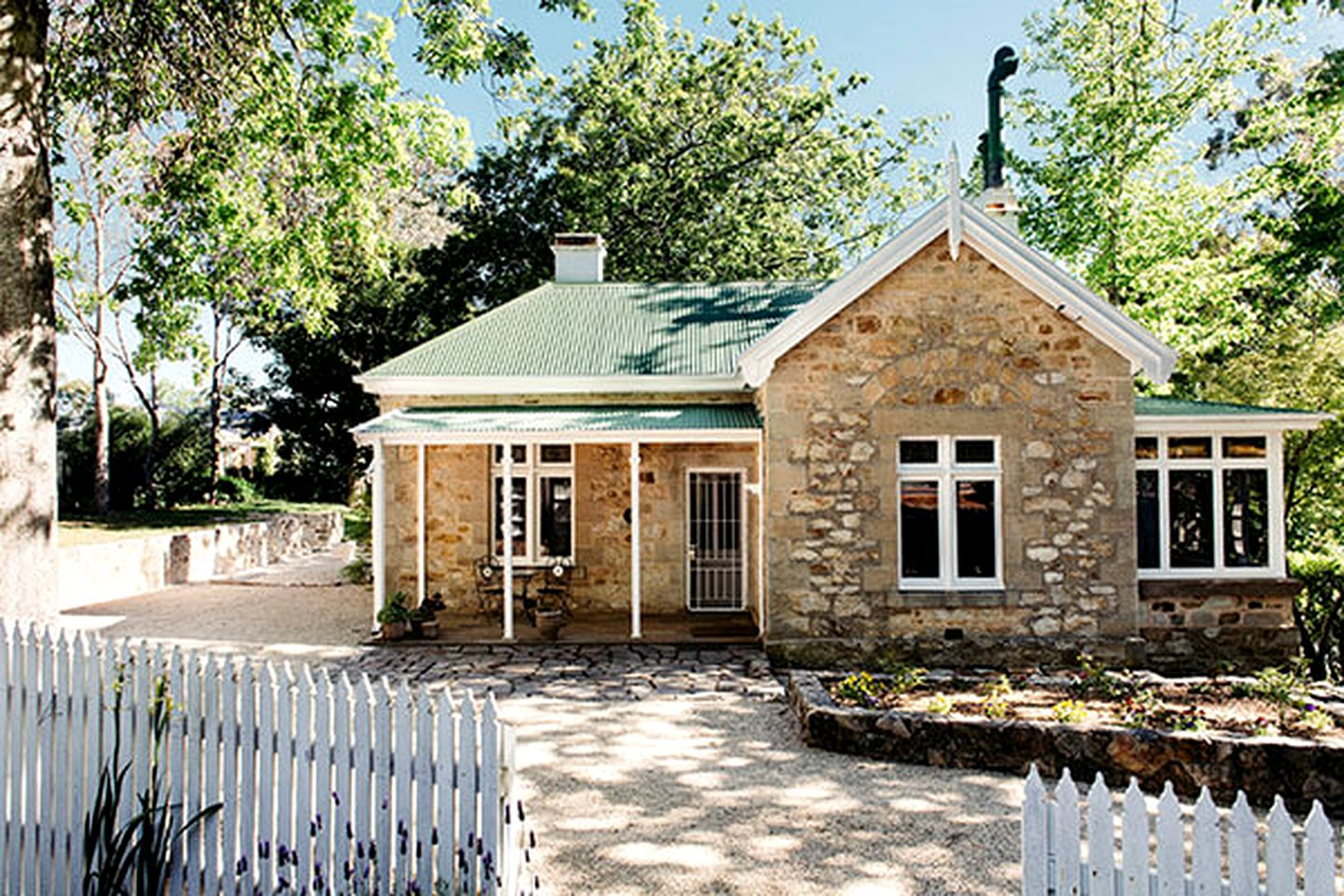 Cottages (Crafers, South Australia, Australia)