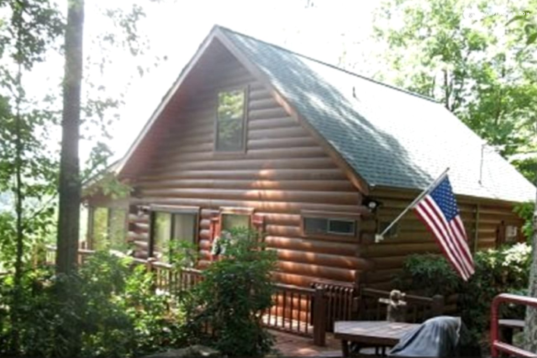 Log cabin rental near blue ridge georgia for Blue ridge ga cabins for rent