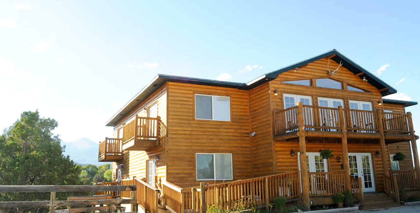 Nature Lodges (Salida, Colorado, United States)