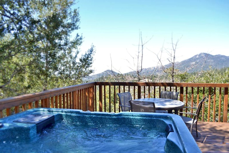 Mountain View Cabin with Private Hot Tub in Idyllwild, California