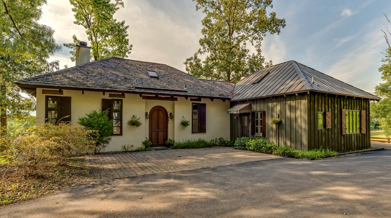 Cottage In Campobello South Carolina