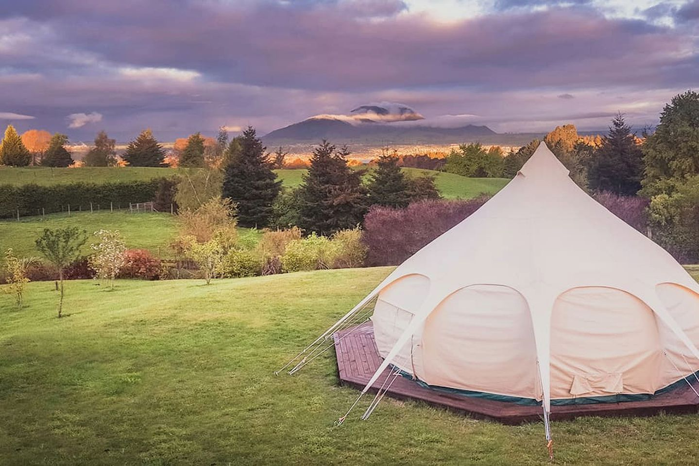 Bell Tents (Taupo, North Island, New Zealand)