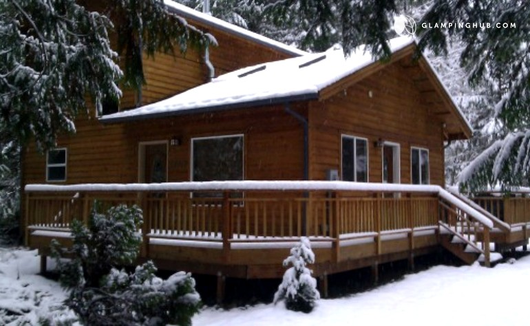 Cabin accommodation near mt baker for Mount baker cabins