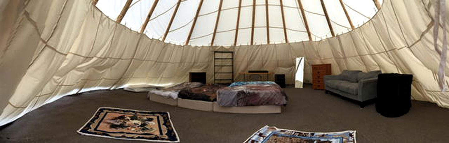 Yurts (Mineral, Washington, United States)